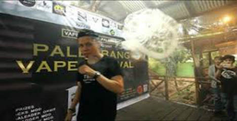 What happens at a vape festival?